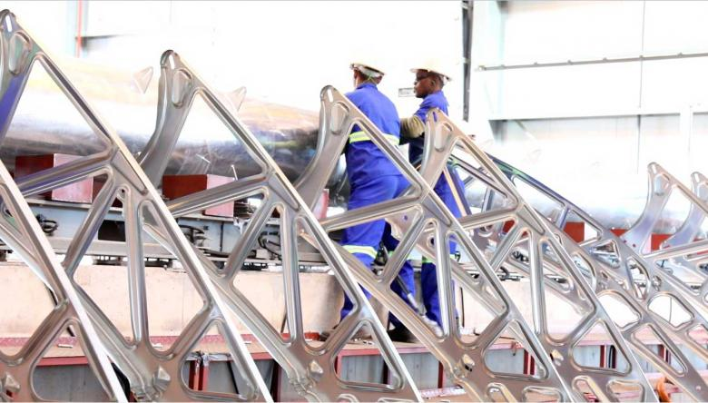 Workers at Illanga thermosolar power plant